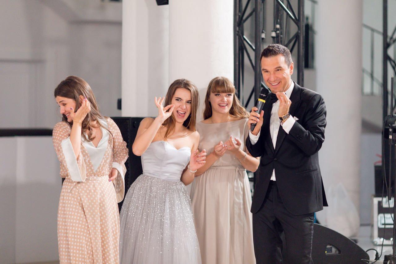 Юмор на свадьбе: ведущие о рамках и