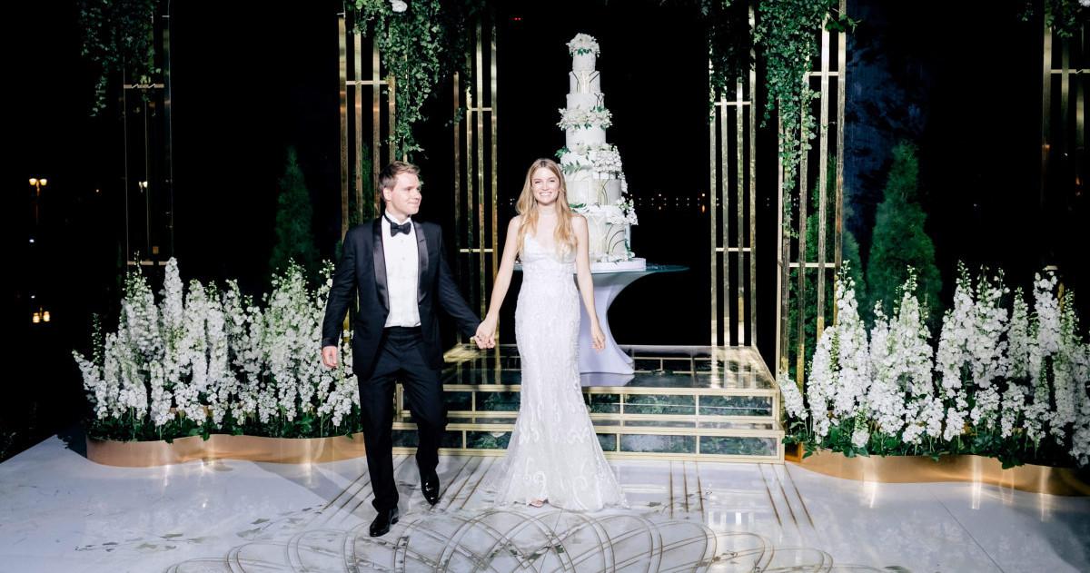 Нежная и цветущая свадьба в Подмосковье
