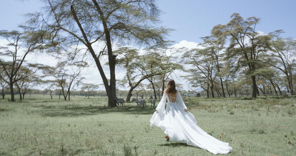 Свадьба в Африке c зебрами, жирафами и