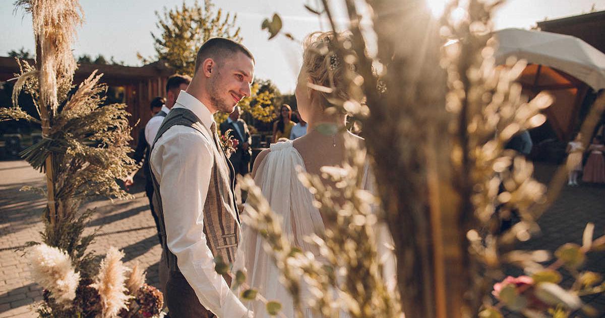 Осенняя свадьба с сухоцветами, льном и прогулками