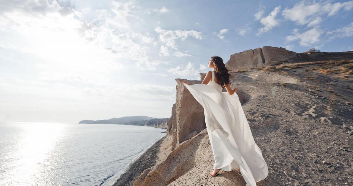 #MarryMeOnSantorini: белоснежная свадьба в Греции
