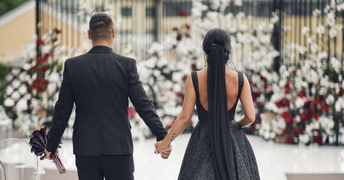 Выходите замуж в черном, как это делают