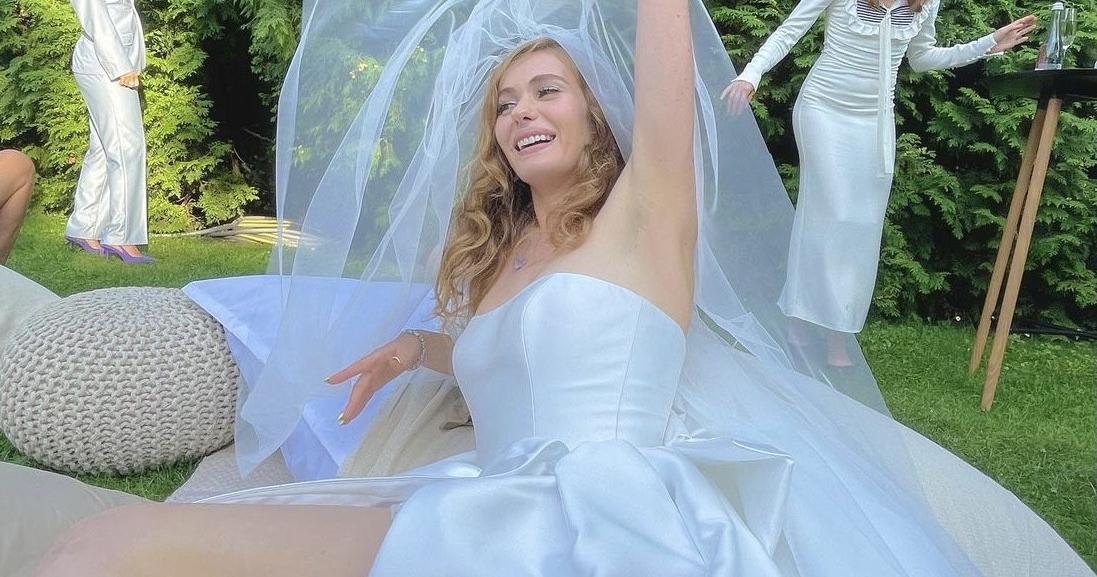 Первые кадры со свадьбы певицы Луны