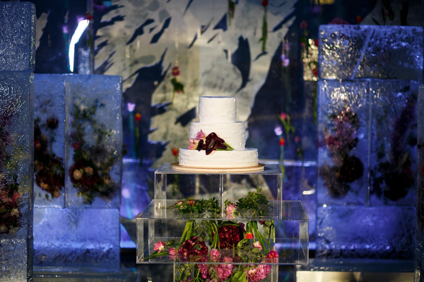 Игра на контрасте: свадьба «лед и пламя»