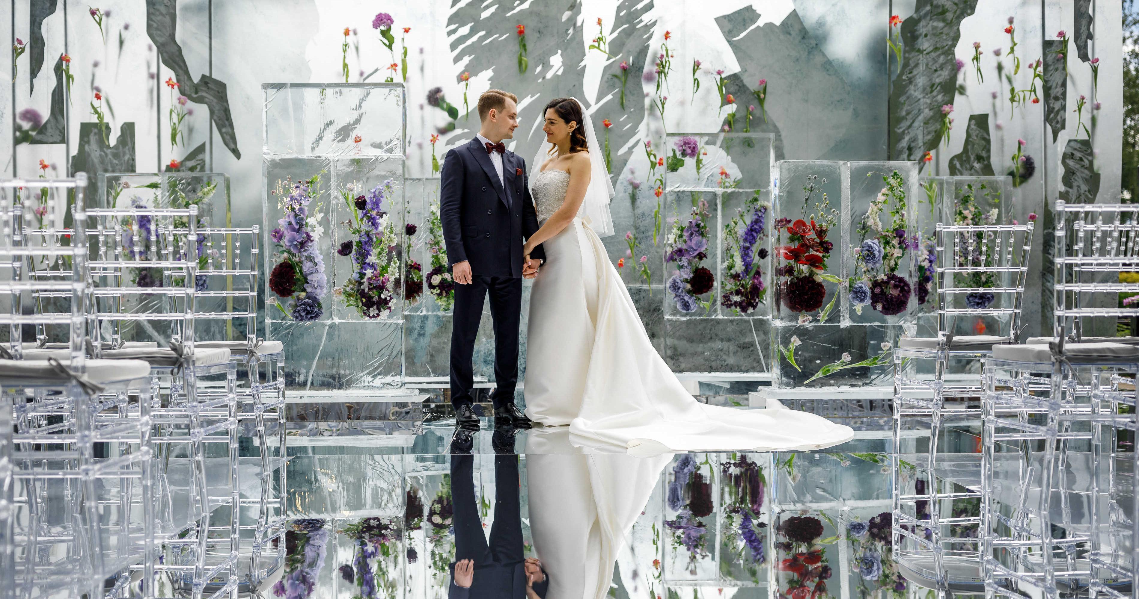 Летняя свадьба в окружении льда