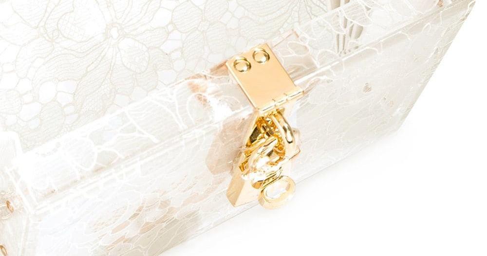 10 клатчей, которые красиво дополнят образ невесты