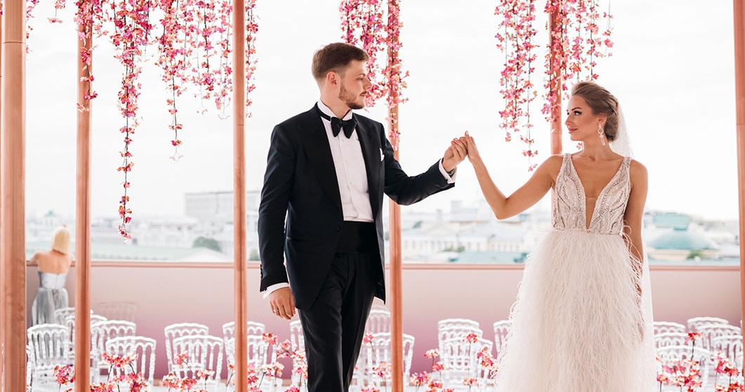Роскошная свадебная церемония с видом на Кремль