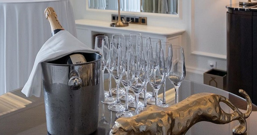 The Ritz-Carlton, Moscow дарит подарки молодоженам