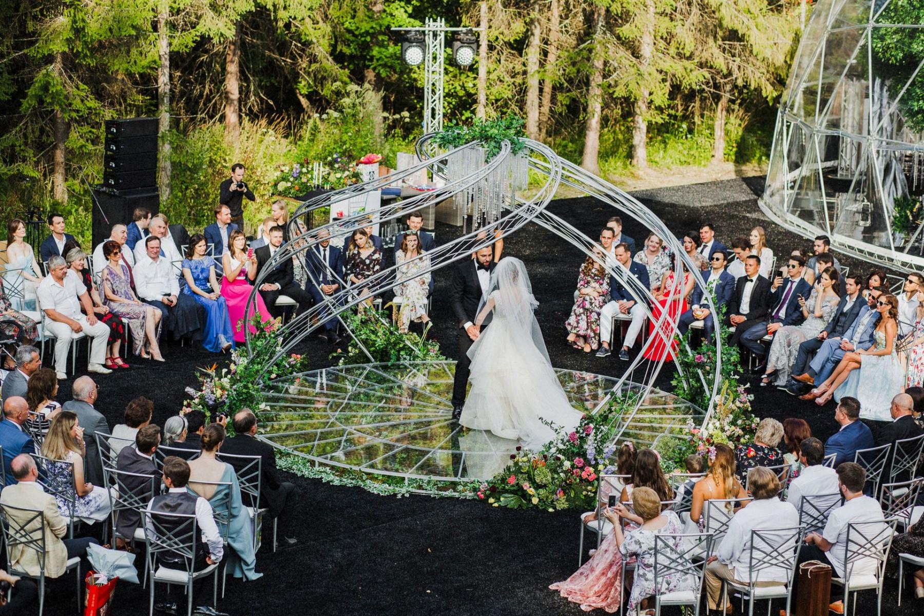 Летняя свадьба в загородном эко-отеле
