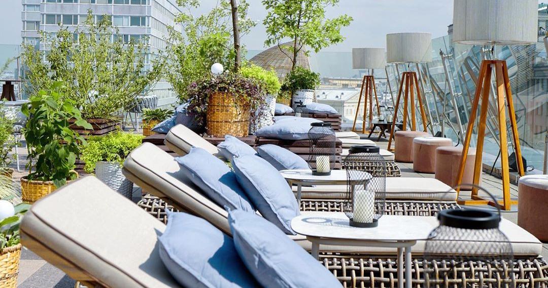 На крыше отеля The Ritz-Carlton открылась обновленная