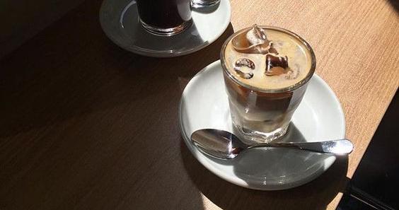 Как приготовить красивый холодный кофе? Вот 4