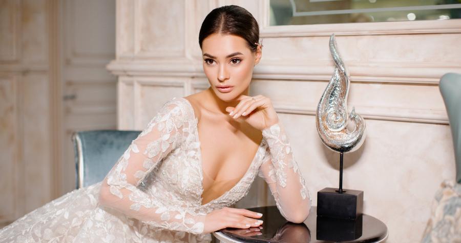 Какие макияж и укладка подходят к платьям