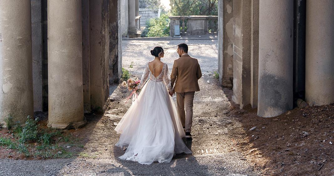 Нежная свадьба с оттенком бохо на берегу
