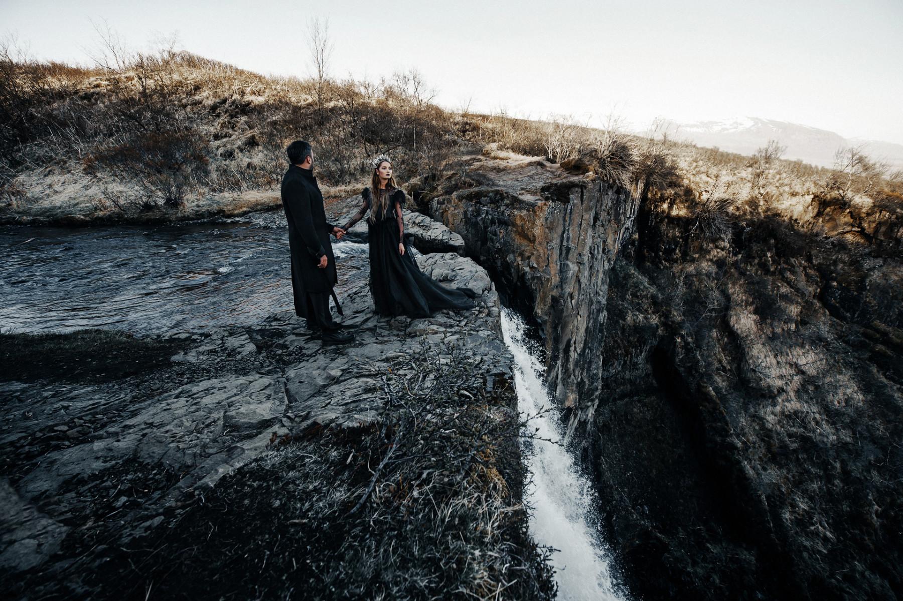 Исландия — завораживающая локация для предсвадебной съемки