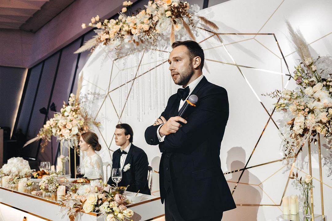 Как избежать неуместных тостов на свадьбе
