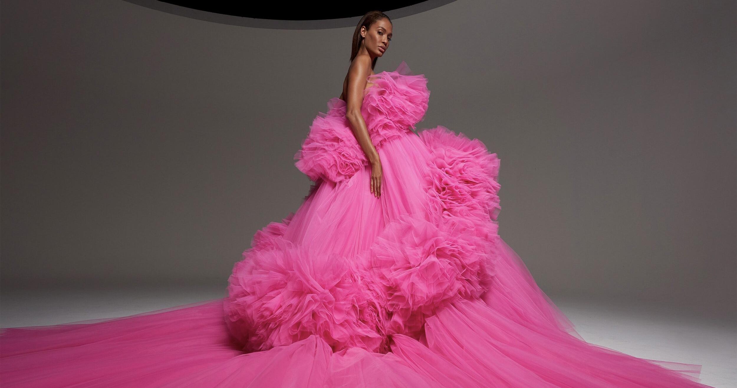 Почему цветные платья от кутюр станут свадебным