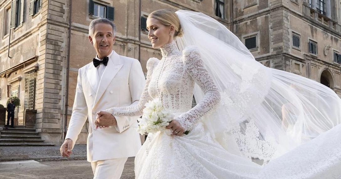 12 кружевных свадебных платьев, которые можно найти