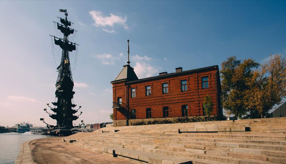 Императорский яхт клуб москва берсеневская трах в ночном клубе скрытая камера