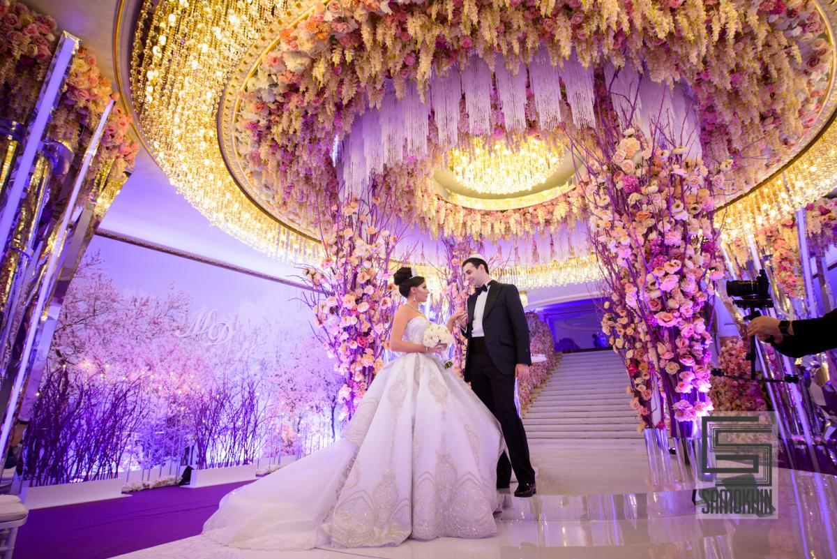 У кого была свадьба в сафисе 150