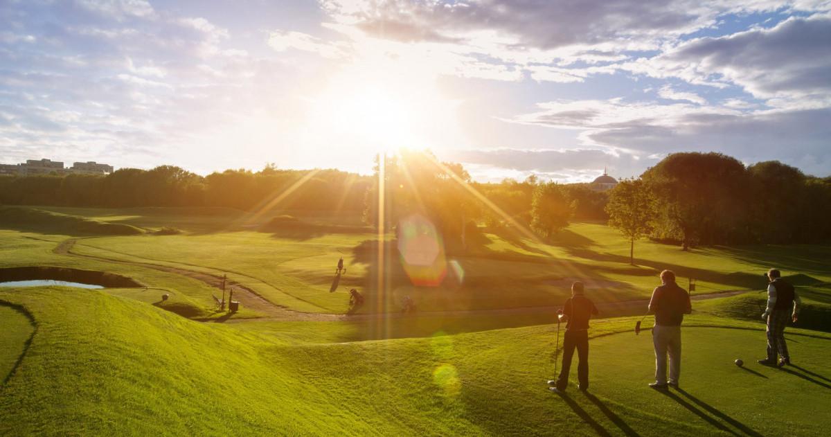 Клуб гольф 4 в москве клубы для подростков москва